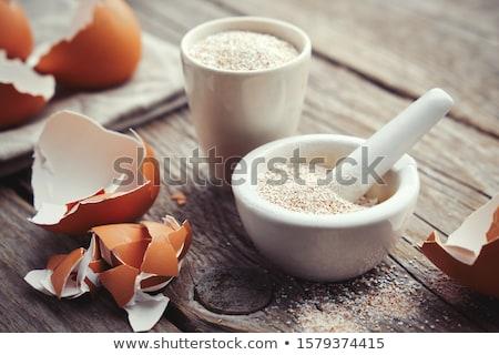 Yumurta kabuğu beyaz yeme kabuk yaşamak yalıtılmış Stok fotoğraf © devon