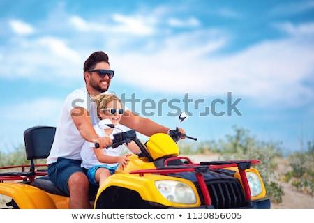 Baba baba kız dostça aile araba Stok fotoğraf © FOTOYOU