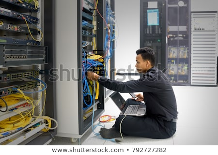 техник · Маршрутизаторы · сервер · комнату · человека · счастливым - Сток-фото © wavebreak_media