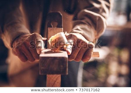 Carpinteiro trabalhando avião madeira oficina profissão Foto stock © dolgachov