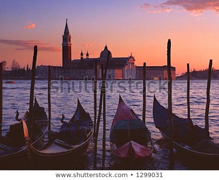 Eiland gondel Venetië Italië hemel Stockfoto © vladacanon