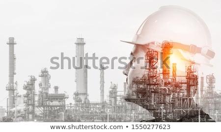 Przemysł naftowy rafineria dwa kolor oleju Zdjęcia stock © -TAlex-