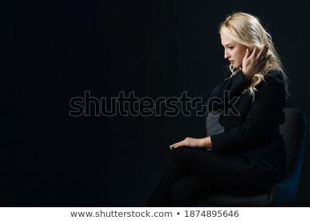 Fürtös szőke nő szék portré ül fekete Stock fotó © zastavkin