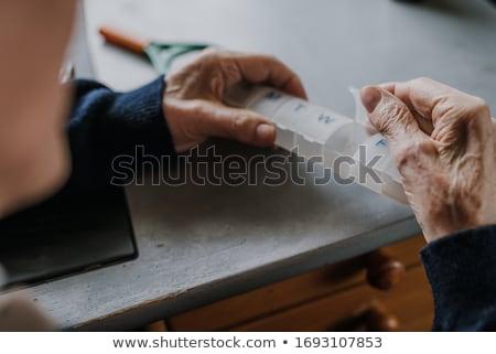 tratamiento · uno · dentales · relleno · médicos - foto stock © lighthunter