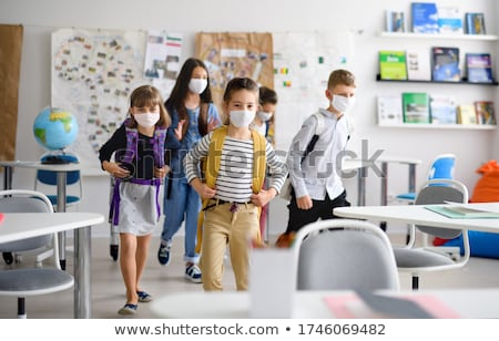 Kinderen school klas meisje handen kind Stockfoto © zurijeta