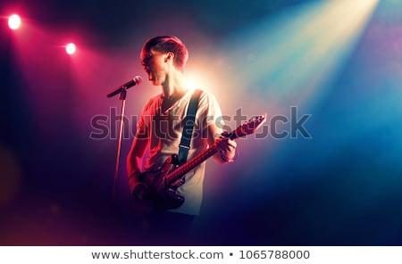 Mężczyzna piosenkarka popularny muzyki koncertu Zdjęcia stock © wavebreak_media