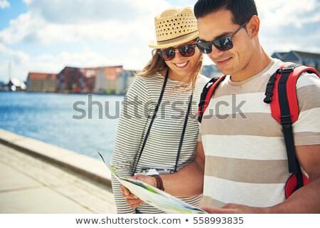 Városnézés tanácsadás brosúra férfi kő olvas Stock fotó © photography33