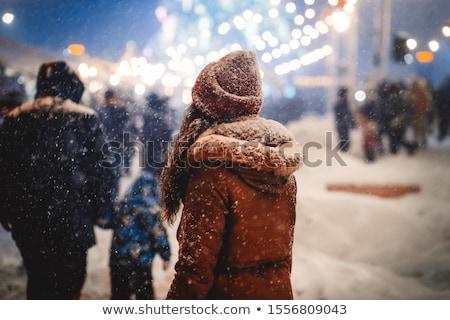 invierno · mujer · calle · sonrisa · nieve · hielo - foto stock © Andersonrise