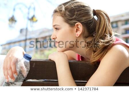 widok · z · boku · kobieta · ręcznik · sztuki · malarstwo - zdjęcia stock © zzve
