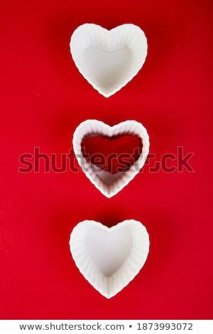 Branco cerâmico corações vermelho romântico dia dos namorados Foto stock © Illia