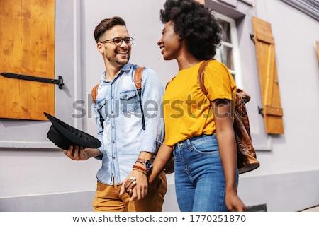 Para spaceru strony kobieta Pokaż charakter Zdjęcia stock © IS2