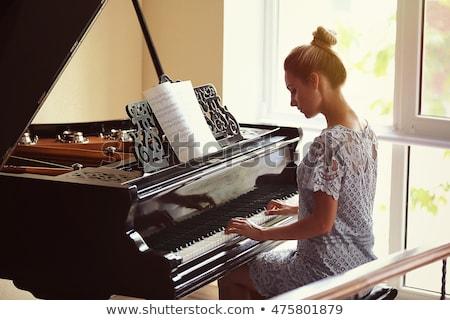 Stock fotó: Játszik · zongora · sekély · mélységélesség · szín · kéz