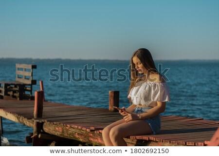 Stock fotó: Nő · sms · chat · okostelefon · óceán · móló · egyedül