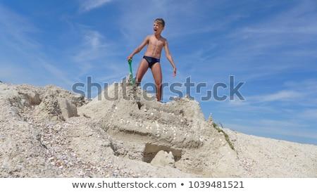 Glücklich wenig Junge läuft Sand tropischen Strand Stock foto © galitskaya
