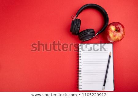 noir · casque · pomme · rouge · portable · note · pomme - photo stock © Illia