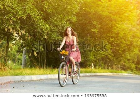 Stok fotoğraf: Kadın · binicilik · bisiklet · yeşil · şehir · park