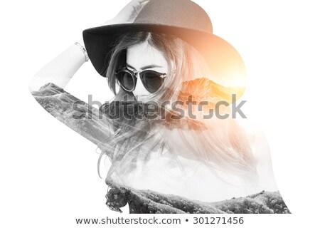 Vrouw verbergen zon hand Maakt een reservekopie Stockfoto © d13