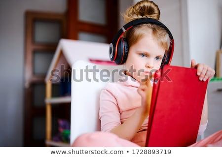 Kicsi gyerek tabletta oktatási imádnivaló lány Stock fotó © ra2studio