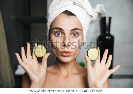 Fotografia · europejski · kobieta · ręcznik · głowie - zdjęcia stock © deandrobot