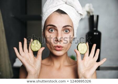 Foto europeu mulher toalha cabeça Foto stock © deandrobot
