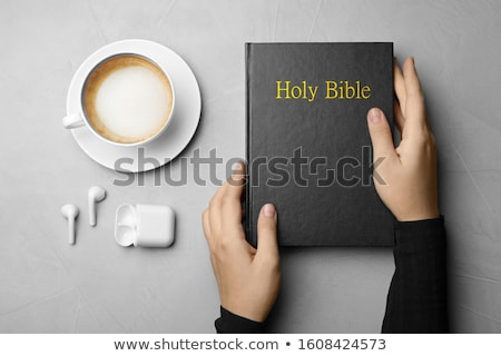 Stock foto: Frau · hören · Bibel · Buch · Telefon · Frauen