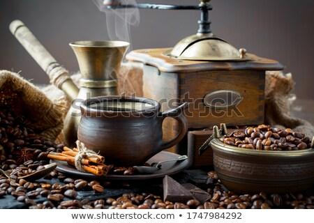 Fasulye eski kahve öğütücü ahşap kafe Stok fotoğraf © compuinfoto