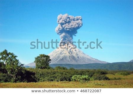 Natuur scène vulkaan uitbarsting illustratie wolken Stockfoto © bluering