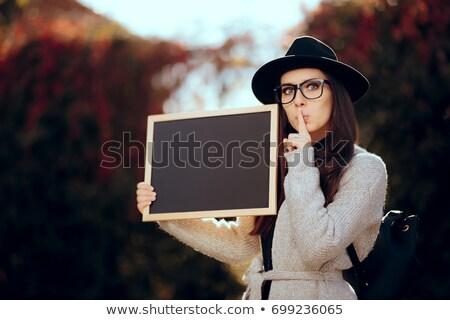 Estudiante pizarra secreto tranquilo Foto stock © NicoletaIonescu