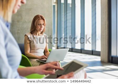 Business woman czeka biuro lobby kobieta technologii Zdjęcia stock © ambro