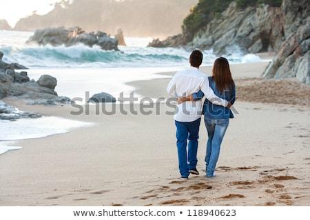 para · spaceru · molo · człowiek · małżeństwa · kobiet - zdjęcia stock © is2