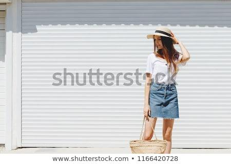 ストックフォト: モデル · ジーンズ · スカート · 美しい · 白人 · ブルネット