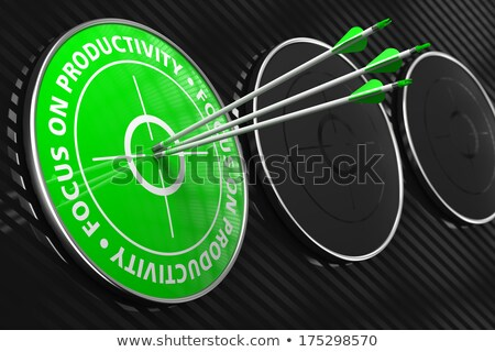 フォーカス 結果 スローガン 緑 ターゲット 3 ストックフォト © tashatuvango