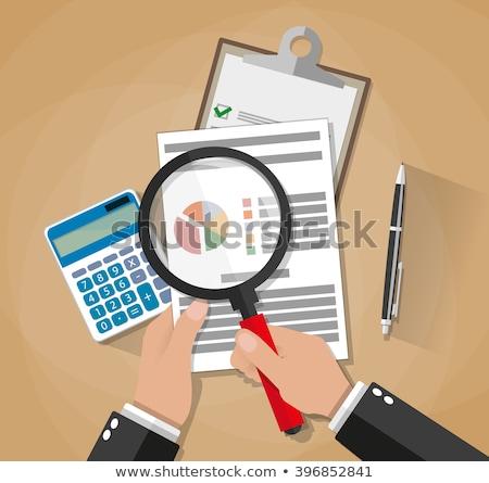 zakenman · onderzoeken · document · vergrootglas · bureau · business - stockfoto © andreypopov