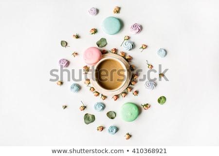kleurrijk · macaron · cookies · beker · koffie · houten · tafel - stockfoto © stevanovicigor