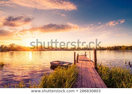 pôr · do · sol · lago · belo · velho · fácil - foto stock © artybloke