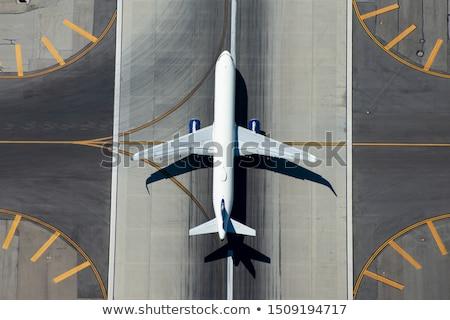 Repülőgép kifutópálya kicsi repülőgép leszállás repülőtér Stock fotó © ssuaphoto