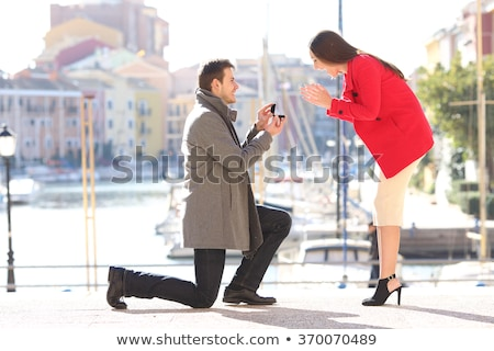Jóképű férfi felajánlás eljegyzési gyűrű nő étterem szeretet Stock fotó © wavebreak_media