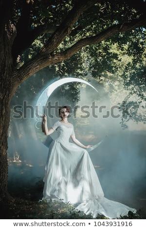 Jonge mooie vrouw roken spiegel bad gezicht Stockfoto © deandrobot
