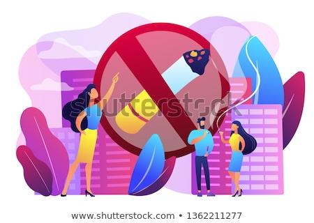 Fumar cigarrillos mujer de negocios senalando signo Foto stock © RAStudio