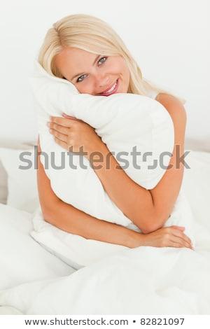 mutlu · sarışın · kadın · yastık · ev · yatak · odası - stok fotoğraf © boggy