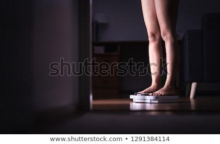 personas · pies · escala · vista · cara - foto stock © kittasgraphics