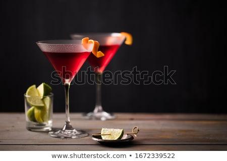 Kozmopolit bir ünlü kokteyller dünya meyve Stok fotoğraf © jarp17