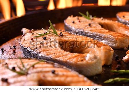 Panela frito salmão truta filé peixe Foto stock © Digifoodstock