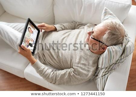 Senior uomo video chat farmacista medicina Foto d'archivio © dolgachov