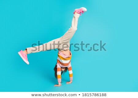 Meisje acrobaat student geen leraar kan Stockfoto © OleksandrO