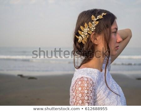 Salsa tancerz trzymając się za ręce głowie widok z tyłu młoda kobieta Zdjęcia stock © feedough