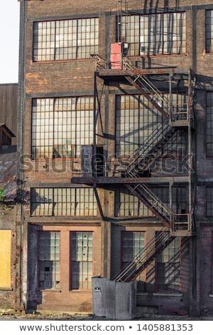brand · ontsnappen · Rood · baksteen · gebouw · drie - stockfoto © bobkeenan