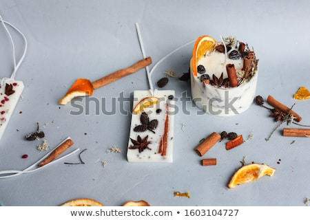 Fruits bougies fer panier feu table Photo stock © janhetman