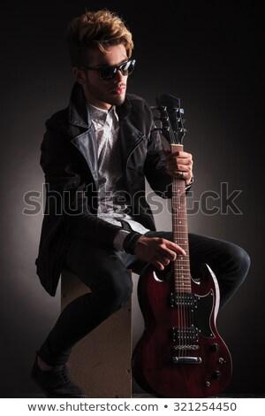 schommelstoel · zwarte · poseren · studio - stockfoto © feedough