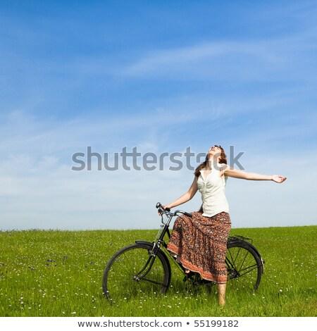 jonge · vrouw · oude · Blauw · fiets · muur · vrouw - stockfoto © filipw